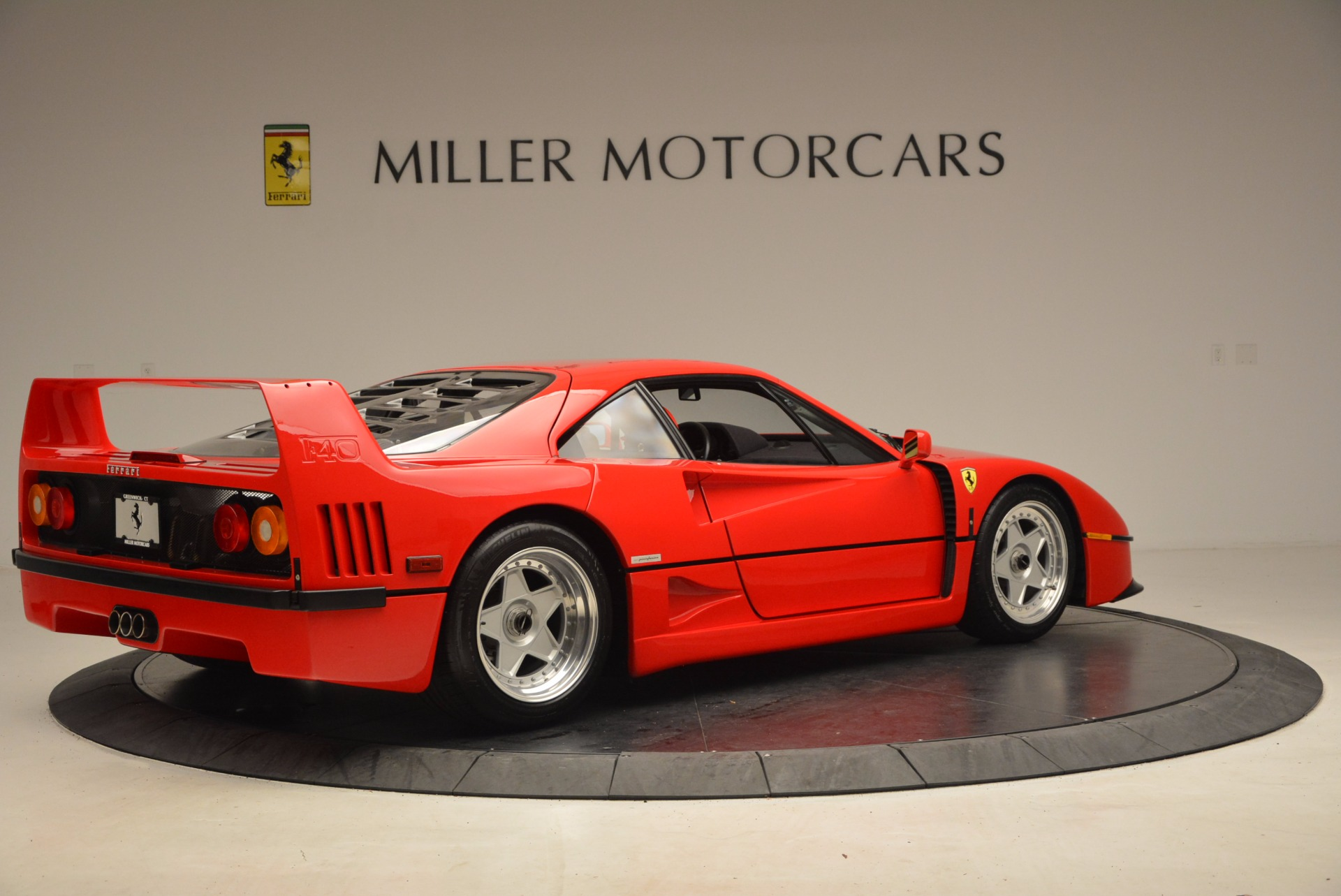Used 1992 Ferrari F40  | Greenwich, CT