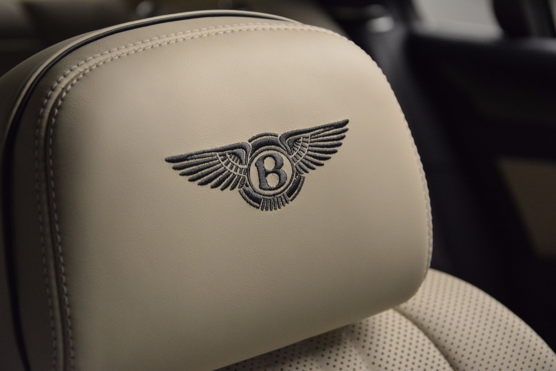 New 2017 Bentley Flying Spur V8 | Greenwich, CT