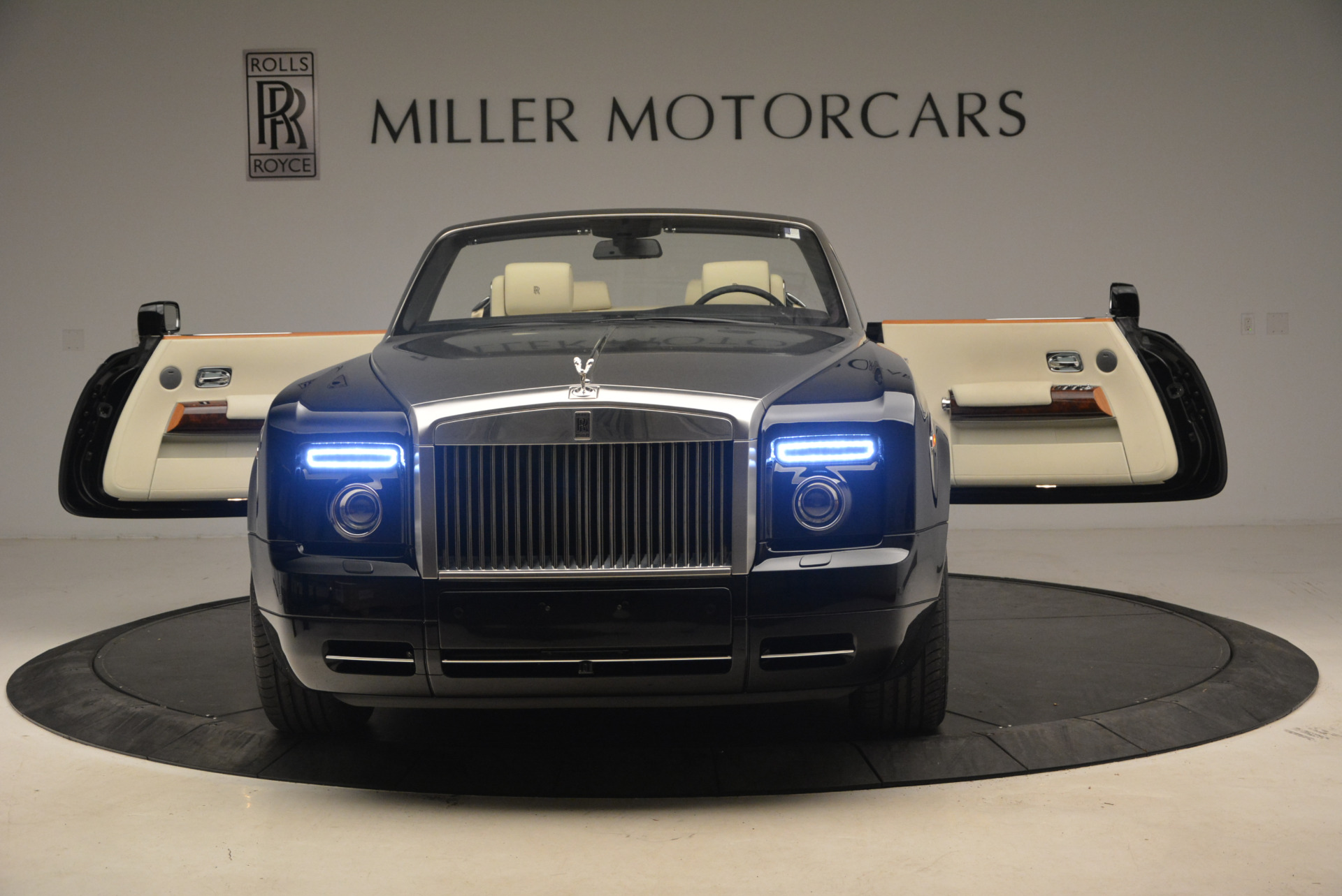 Used 2009 Rolls-Royce Phantom Drophead Coupe  | Greenwich, CT