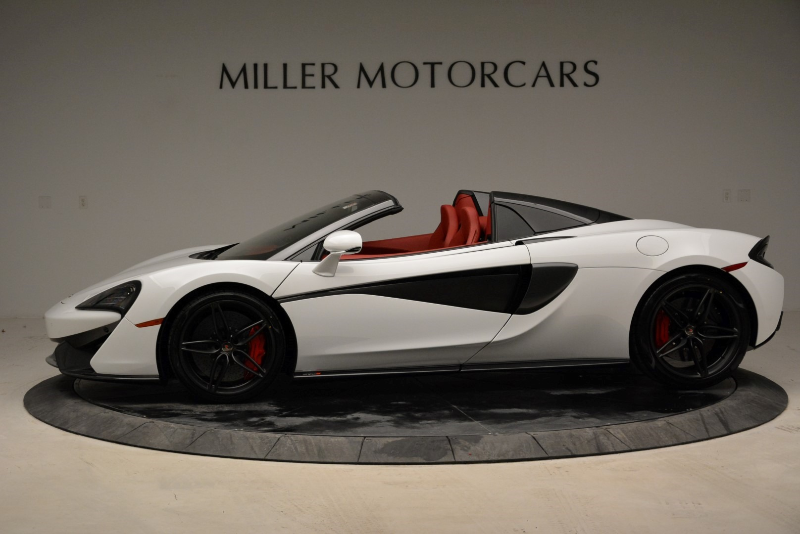 New 2018 McLaren 570S Spider | Greenwich, CT