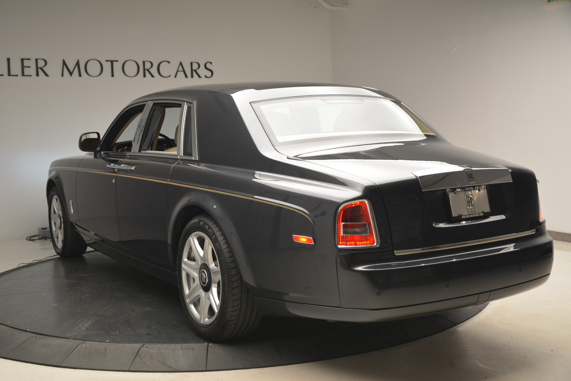Used 2013 Rolls-Royce Phantom  | Greenwich, CT