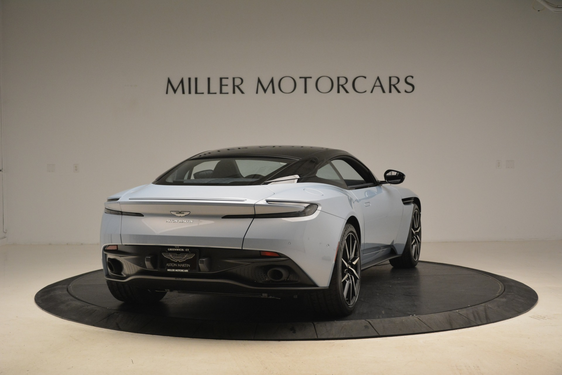 New 2018 Aston Martin DB11 V12 | Greenwich, CT