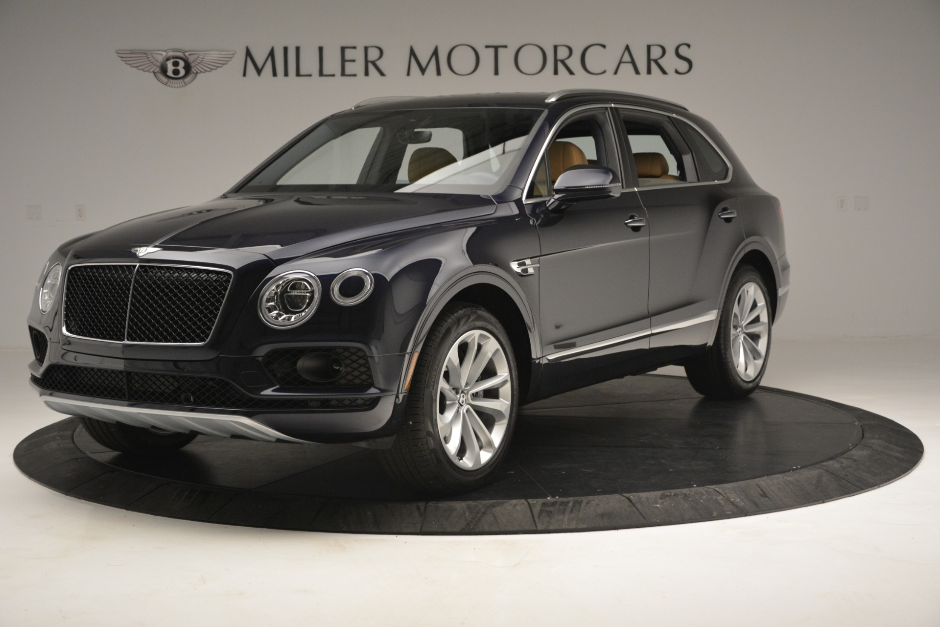 New 2019 Bentley Bentayga V8 | Greenwich, CT
