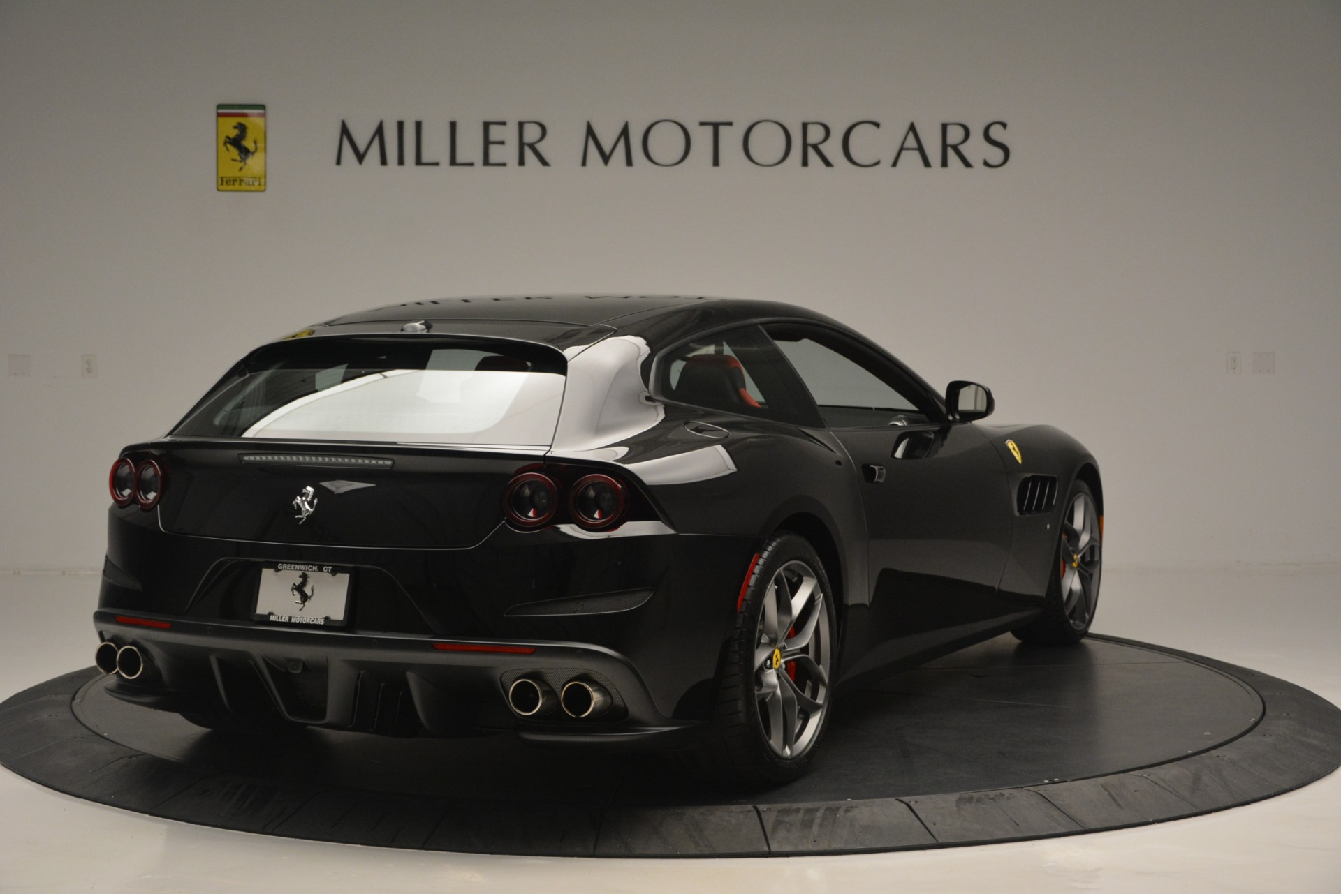Used 2018 Ferrari GTC4Lusso T  | Greenwich, CT