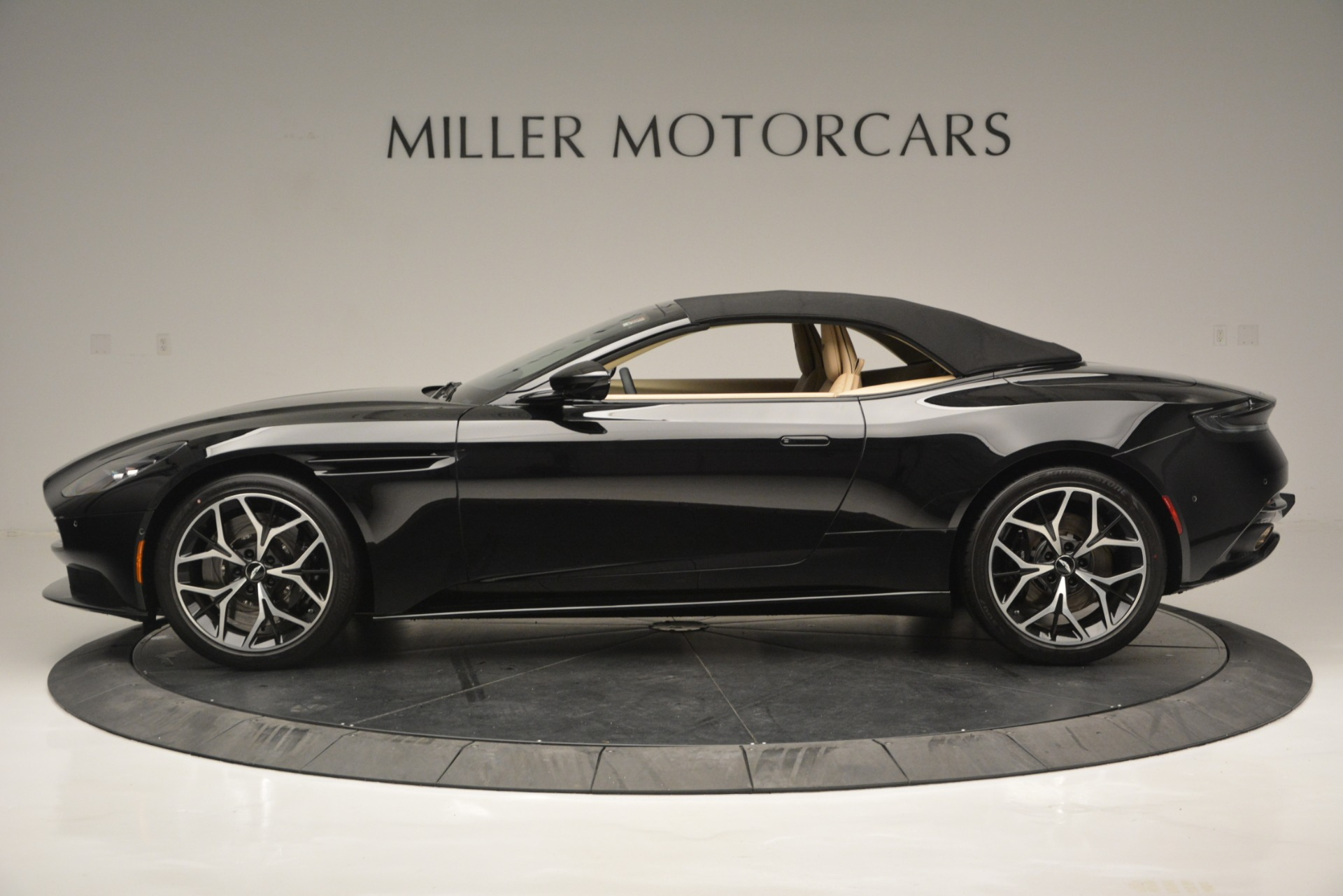 New 2019 Aston Martin DB11 V8 Convertible | Greenwich, CT