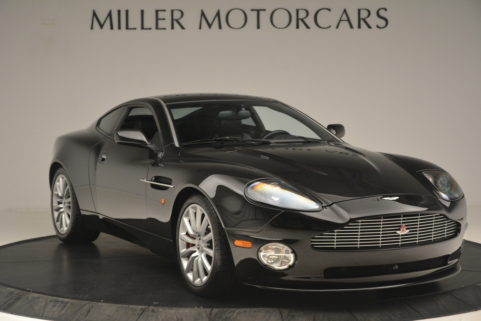 Used 2004 Aston Martin V12 Vanquish  | Greenwich, CT