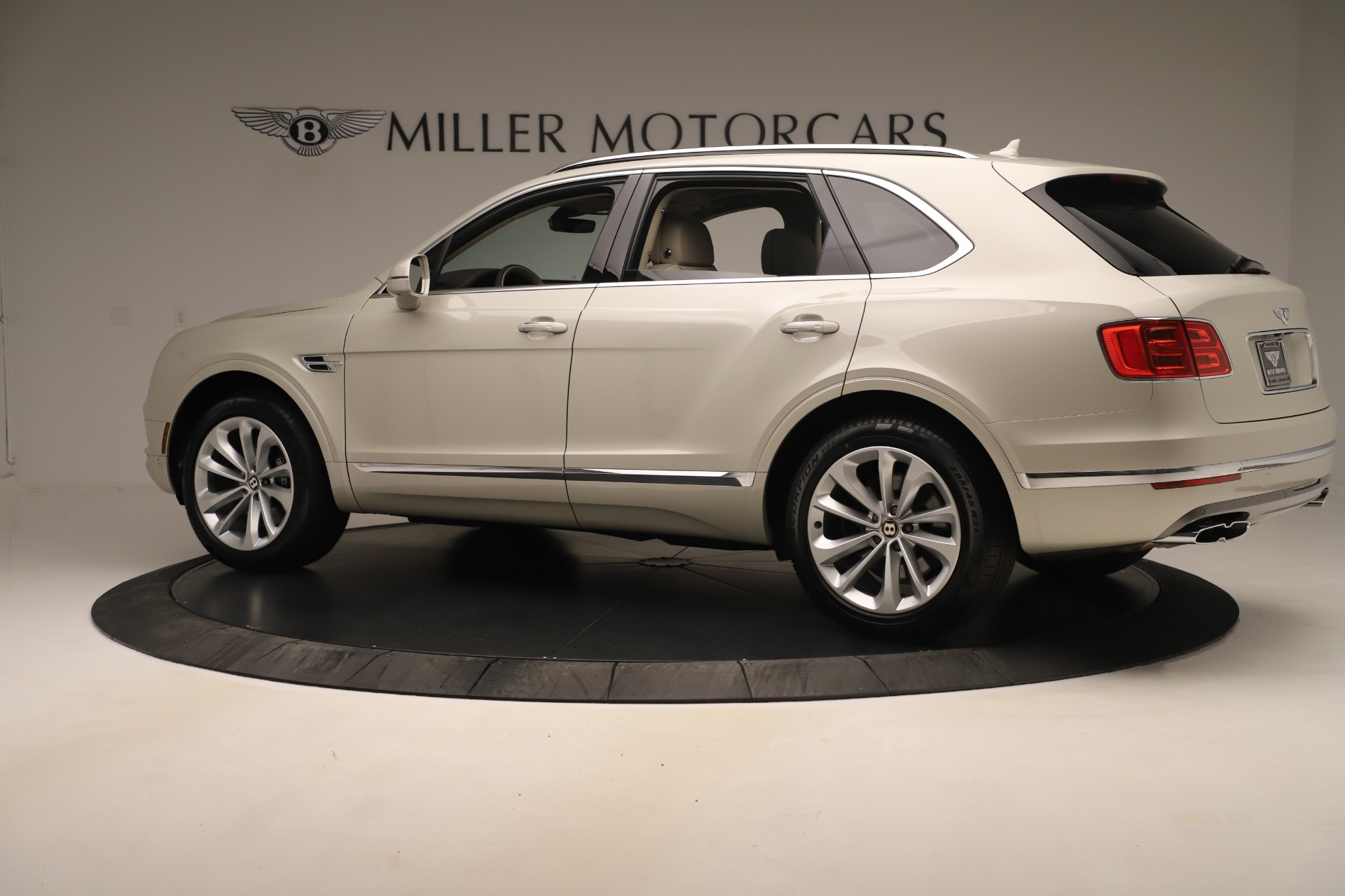 New 2020 Bentley Bentayga V8 | Greenwich, CT