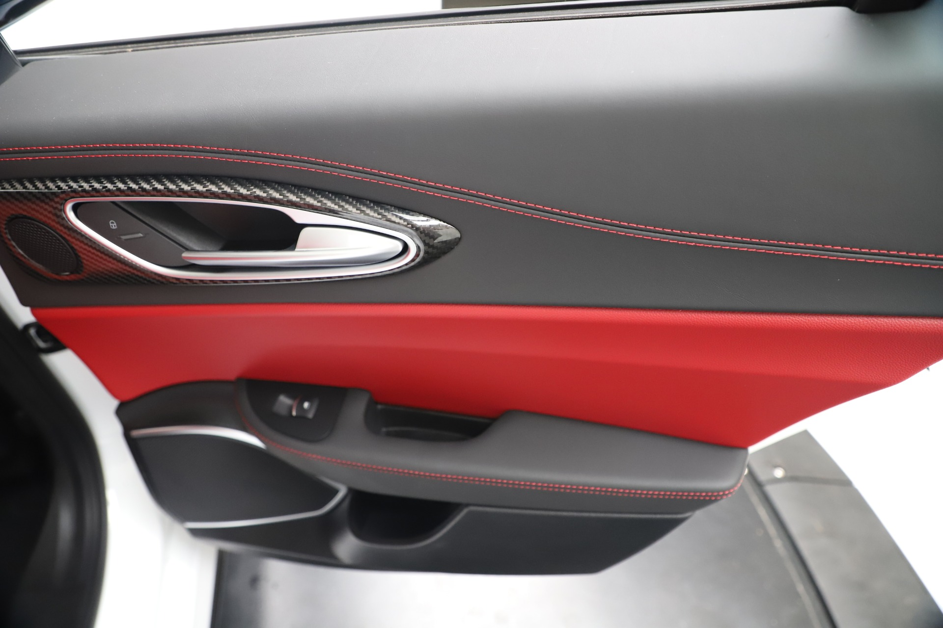 New 2019 Alfa Romeo Giulia Ti Sport Carbon Q4 | Greenwich, CT