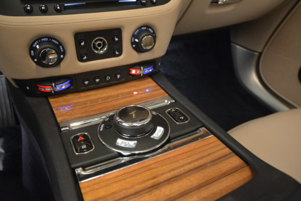 Used 2015 Rolls-Royce Wraith for sale $178,900 at Pagani of Greenwich in Greenwich CT 06830 21