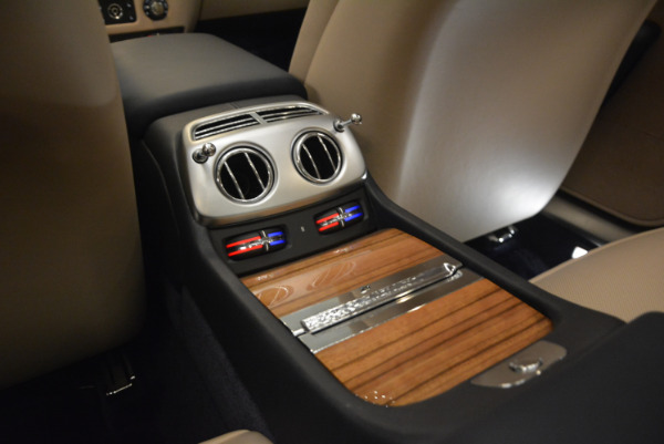 Used 2015 Rolls-Royce Wraith for sale $178,900 at Pagani of Greenwich in Greenwich CT 06830 24