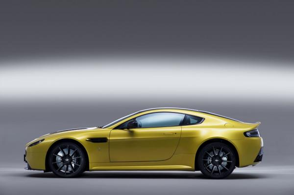 New 2017 Aston Martin V12 Vantage S for sale Sold at Pagani of Greenwich in Greenwich CT 06830 2