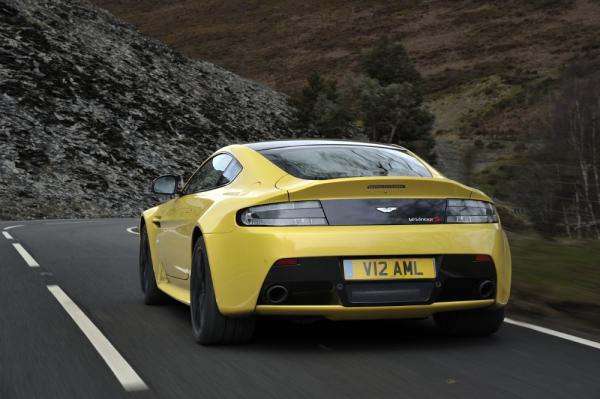 New 2017 Aston Martin V12 Vantage S for sale Sold at Pagani of Greenwich in Greenwich CT 06830 6