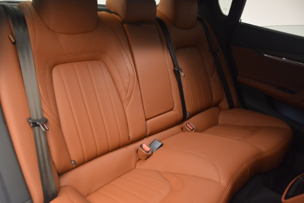 Used 2017 Maserati Quattroporte SQ4 for sale Sold at Pagani of Greenwich in Greenwich CT 06830 21