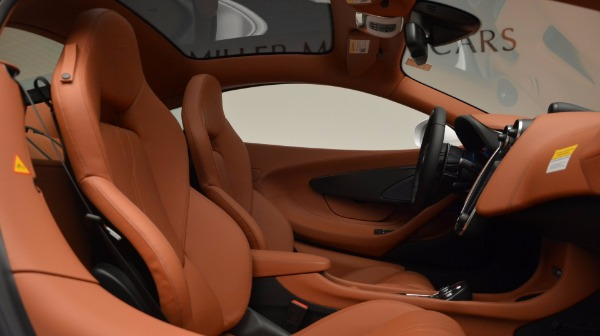 Used 2017 McLaren 570GT for sale Sold at Pagani of Greenwich in Greenwich CT 06830 20