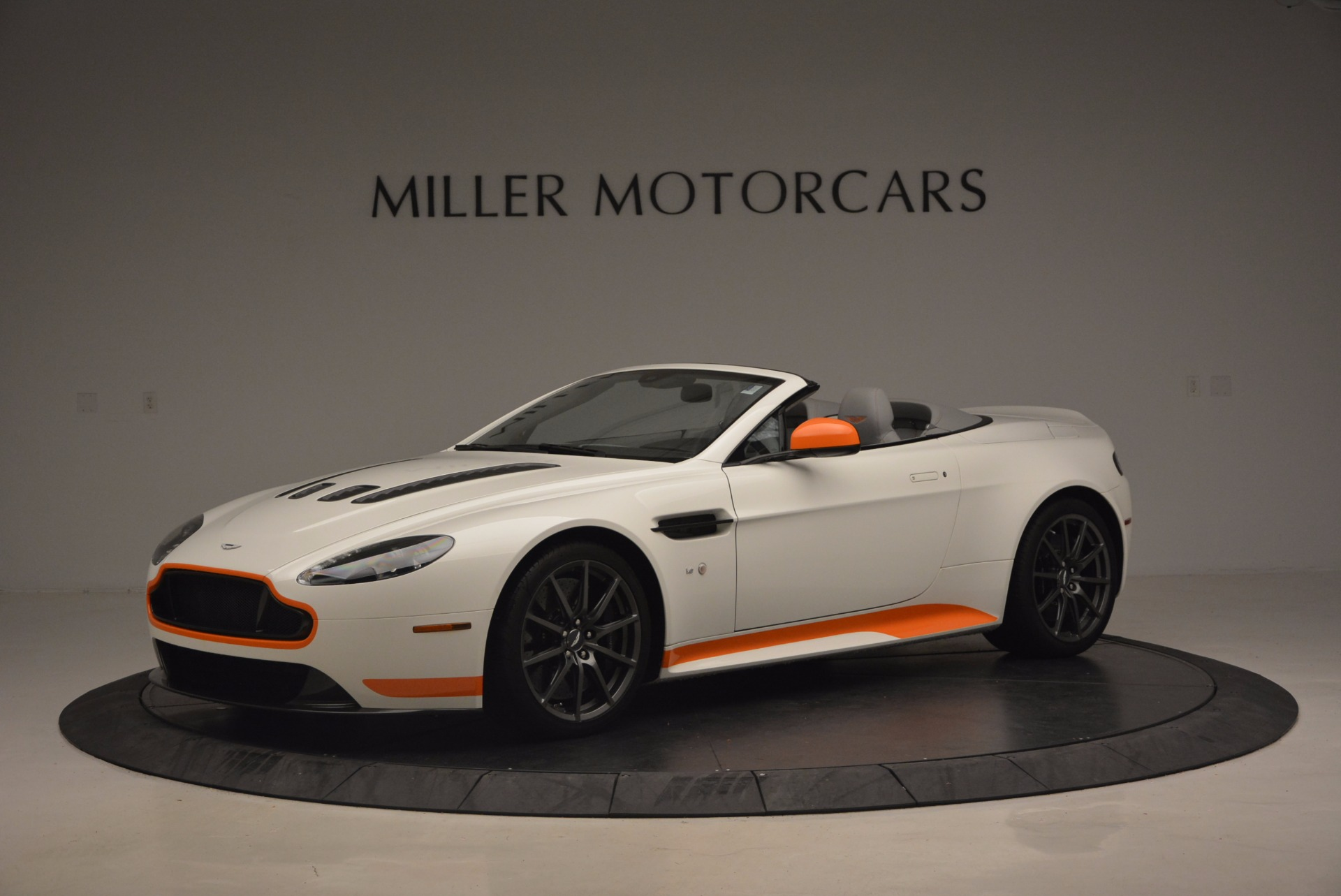 Used 2017 Aston Martin V12 Vantage S Convertible for sale Sold at Pagani of Greenwich in Greenwich CT 06830 1