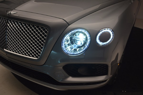 New 2018 Bentley Bentayga Onyx for sale Sold at Pagani of Greenwich in Greenwich CT 06830 17