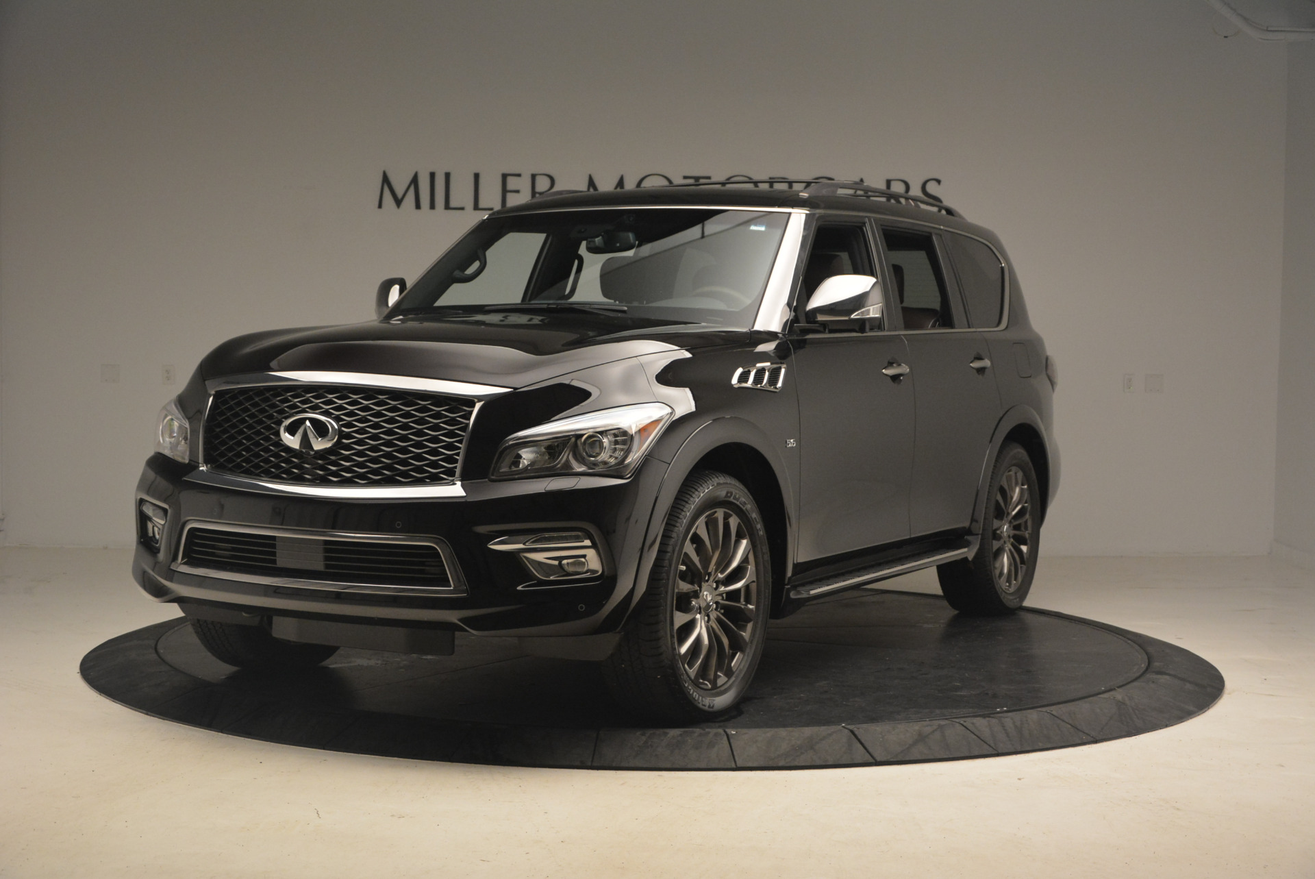 Used 2015 INFINITI QX80 Limited 4WD for sale Sold at Pagani of Greenwich in Greenwich CT 06830 1