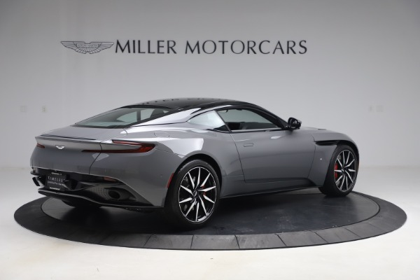 Used 2017 Aston Martin DB11 V12 for sale $149,900 at Pagani of Greenwich in Greenwich CT 06830 7