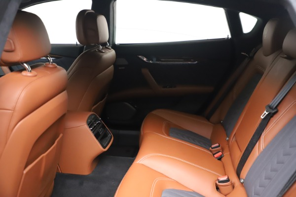 Used 2017 Maserati Quattroporte SQ4 GranLusso/ Zegna for sale $62,900 at Pagani of Greenwich in Greenwich CT 06830 18