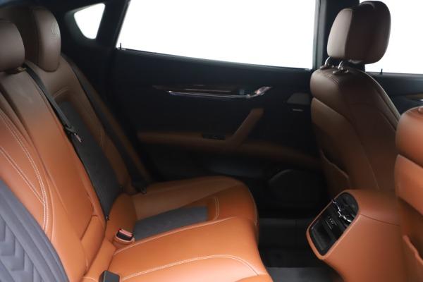 Used 2017 Maserati Quattroporte SQ4 GranLusso/ Zegna for sale $62,900 at Pagani of Greenwich in Greenwich CT 06830 23