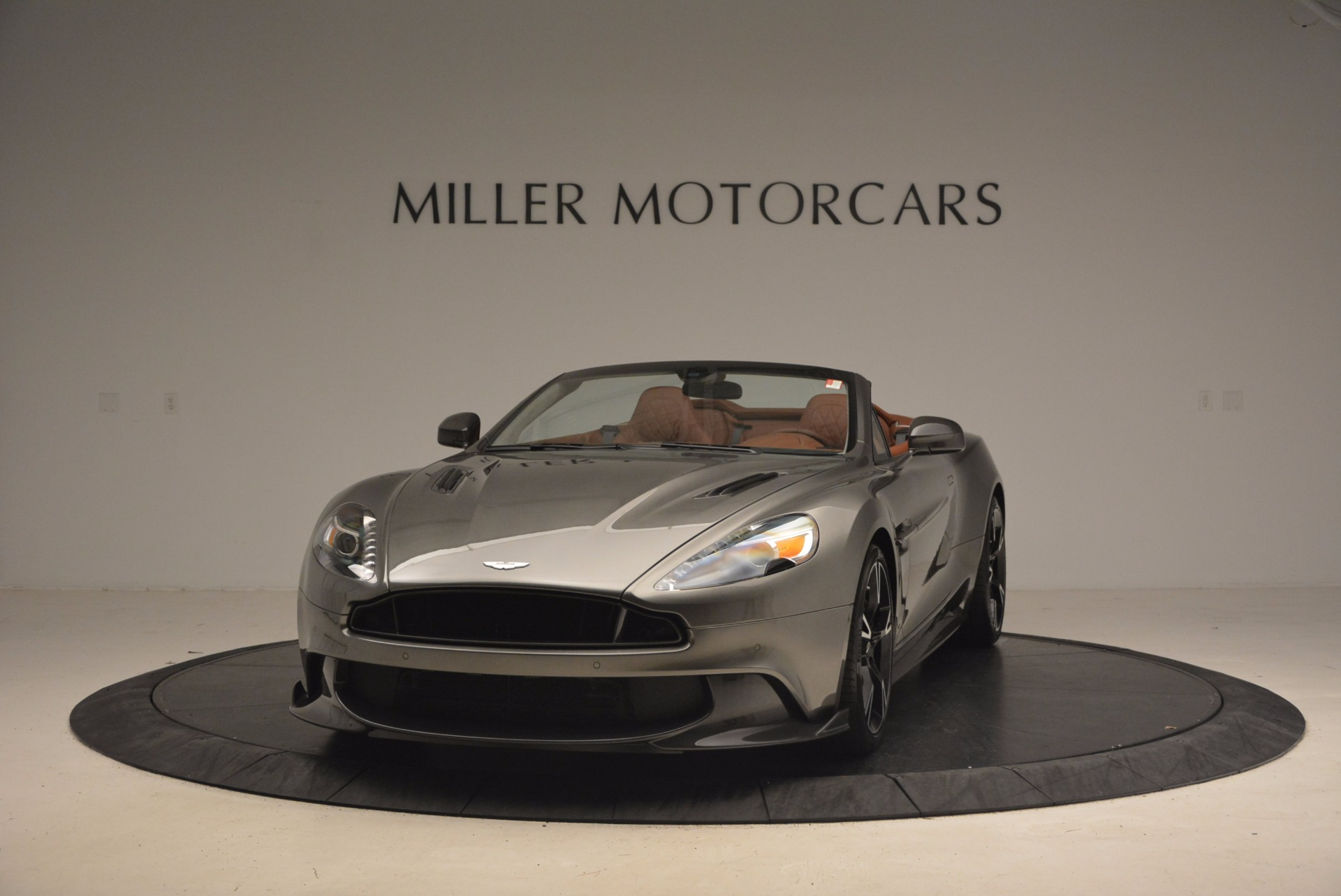 Used 2018 Aston Martin Vanquish S Convertible for sale Sold at Pagani of Greenwich in Greenwich CT 06830 1