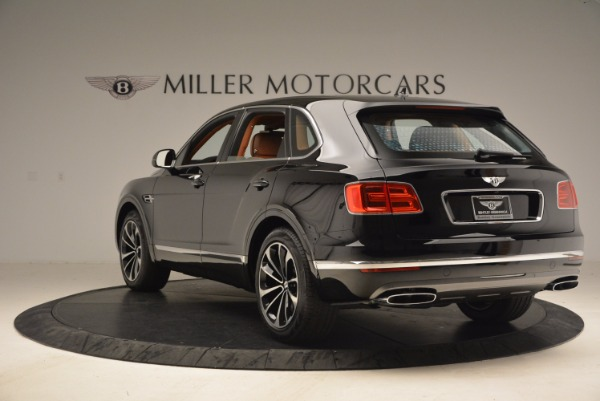 Used 2018 Bentley Bentayga Onyx Edition for sale $147,900 at Pagani of Greenwich in Greenwich CT 06830 5