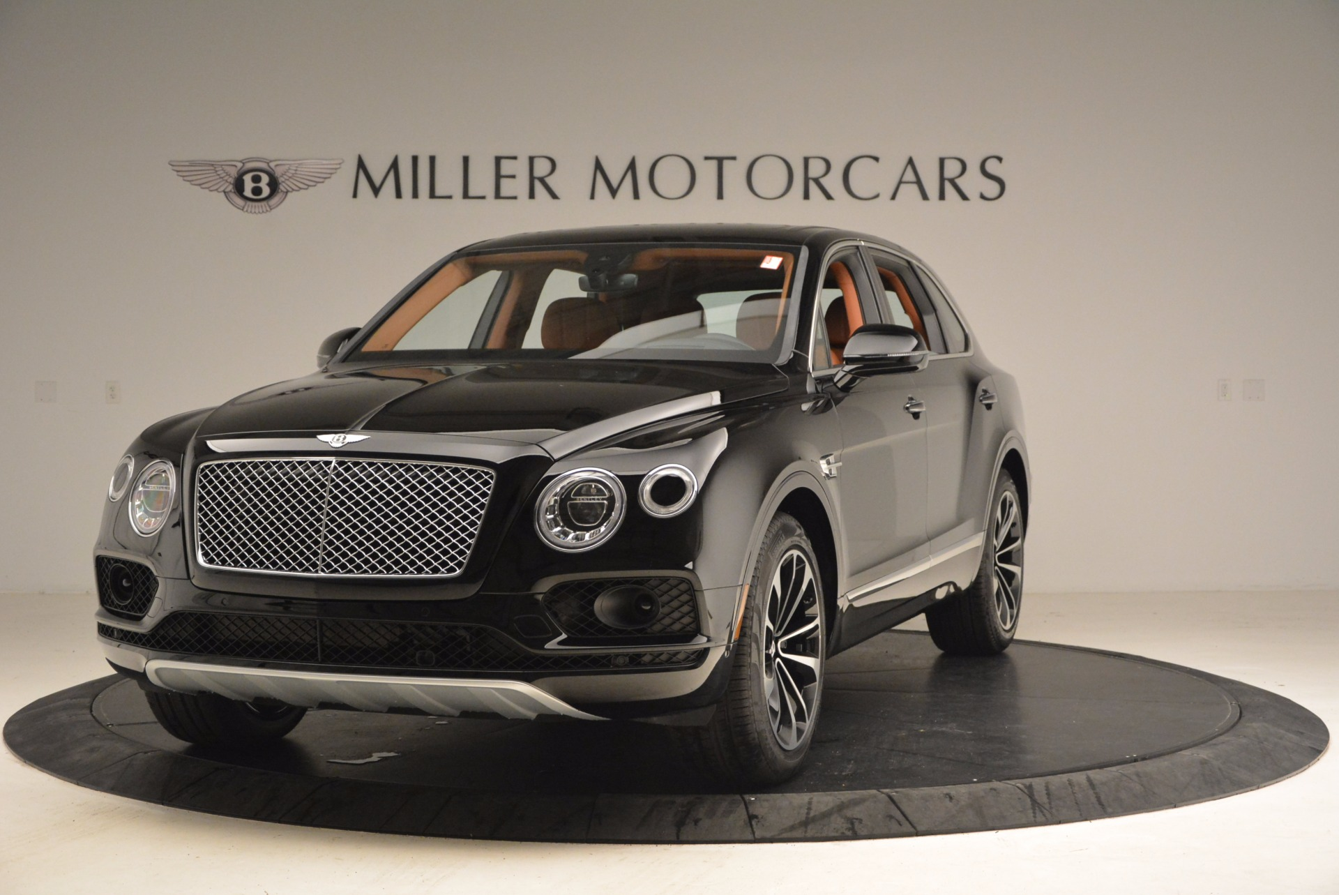 Used 2018 Bentley Bentayga Onyx Edition for sale $147,900 at Pagani of Greenwich in Greenwich CT 06830 1