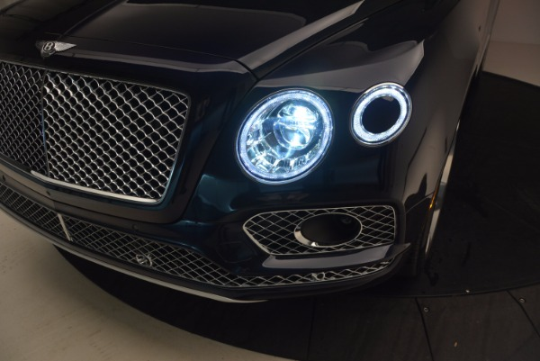 Used 2018 Bentley Bentayga W12 Signature for sale Sold at Pagani of Greenwich in Greenwich CT 06830 19