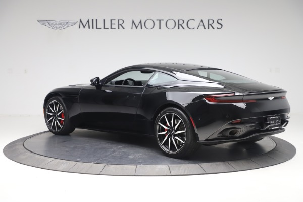 Used 2017 Aston Martin DB11 V12 Coupe for sale $135,900 at Pagani of Greenwich in Greenwich CT 06830 5