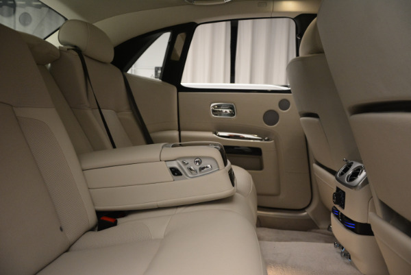 Used 2010 Rolls-Royce Ghost for sale Sold at Pagani of Greenwich in Greenwich CT 06830 25