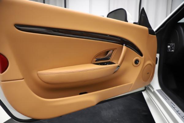 Used 2017 Maserati GranTurismo Convertible Sport for sale Sold at Pagani of Greenwich in Greenwich CT 06830 27