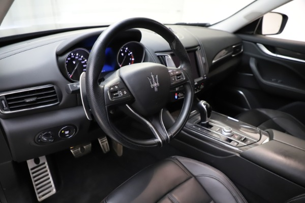 Used 2018 Maserati Levante SQ4 GranSport for sale $55,900 at Pagani of Greenwich in Greenwich CT 06830 13