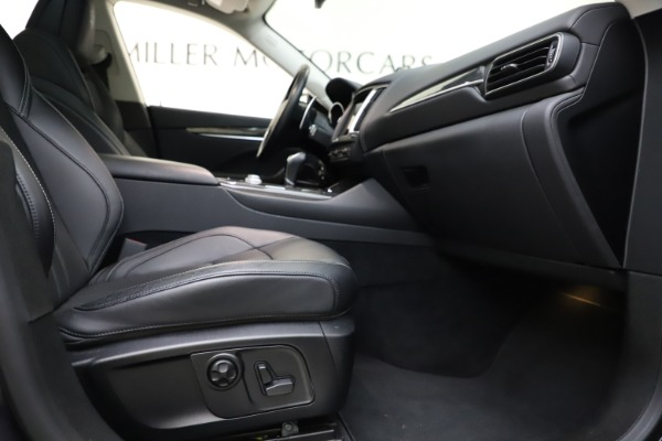 Used 2018 Maserati Levante SQ4 GranSport for sale $55,900 at Pagani of Greenwich in Greenwich CT 06830 23