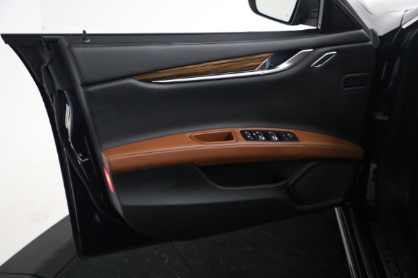 Used 2018 Maserati Ghibli S Q4 GranLusso for sale $56,900 at Pagani of Greenwich in Greenwich CT 06830 15