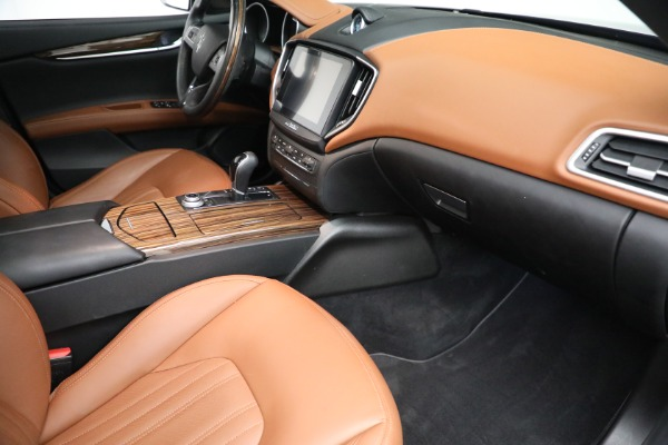 Used 2018 Maserati Ghibli S Q4 GranLusso for sale $56,900 at Pagani of Greenwich in Greenwich CT 06830 19