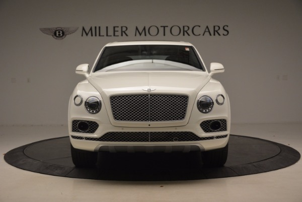 Used 2018 Bentley Bentayga Onyx for sale Call for price at Pagani of Greenwich in Greenwich CT 06830 12