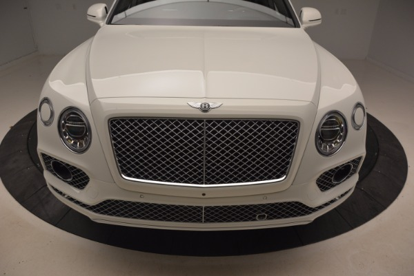 Used 2018 Bentley Bentayga Onyx for sale Call for price at Pagani of Greenwich in Greenwich CT 06830 13