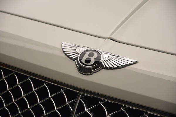Used 2018 Bentley Bentayga Onyx for sale Call for price at Pagani of Greenwich in Greenwich CT 06830 15