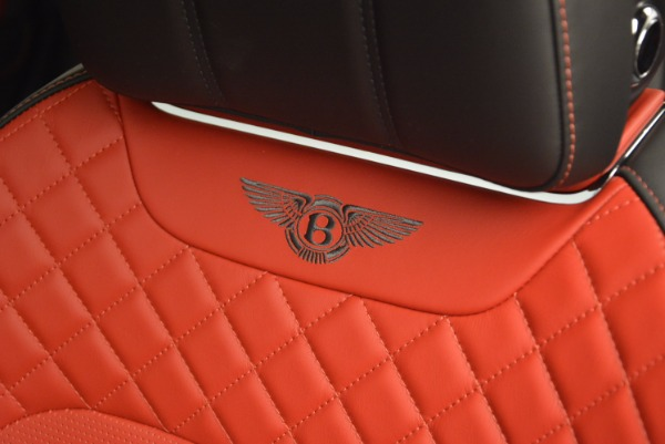 Used 2018 Bentley Bentayga Onyx for sale Call for price at Pagani of Greenwich in Greenwich CT 06830 20