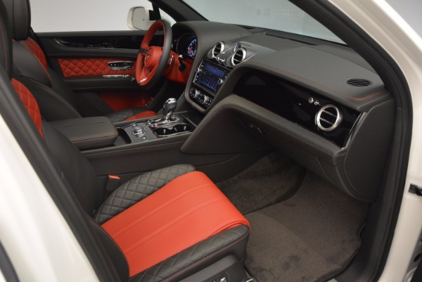 Used 2018 Bentley Bentayga Onyx for sale Call for price at Pagani of Greenwich in Greenwich CT 06830 26
