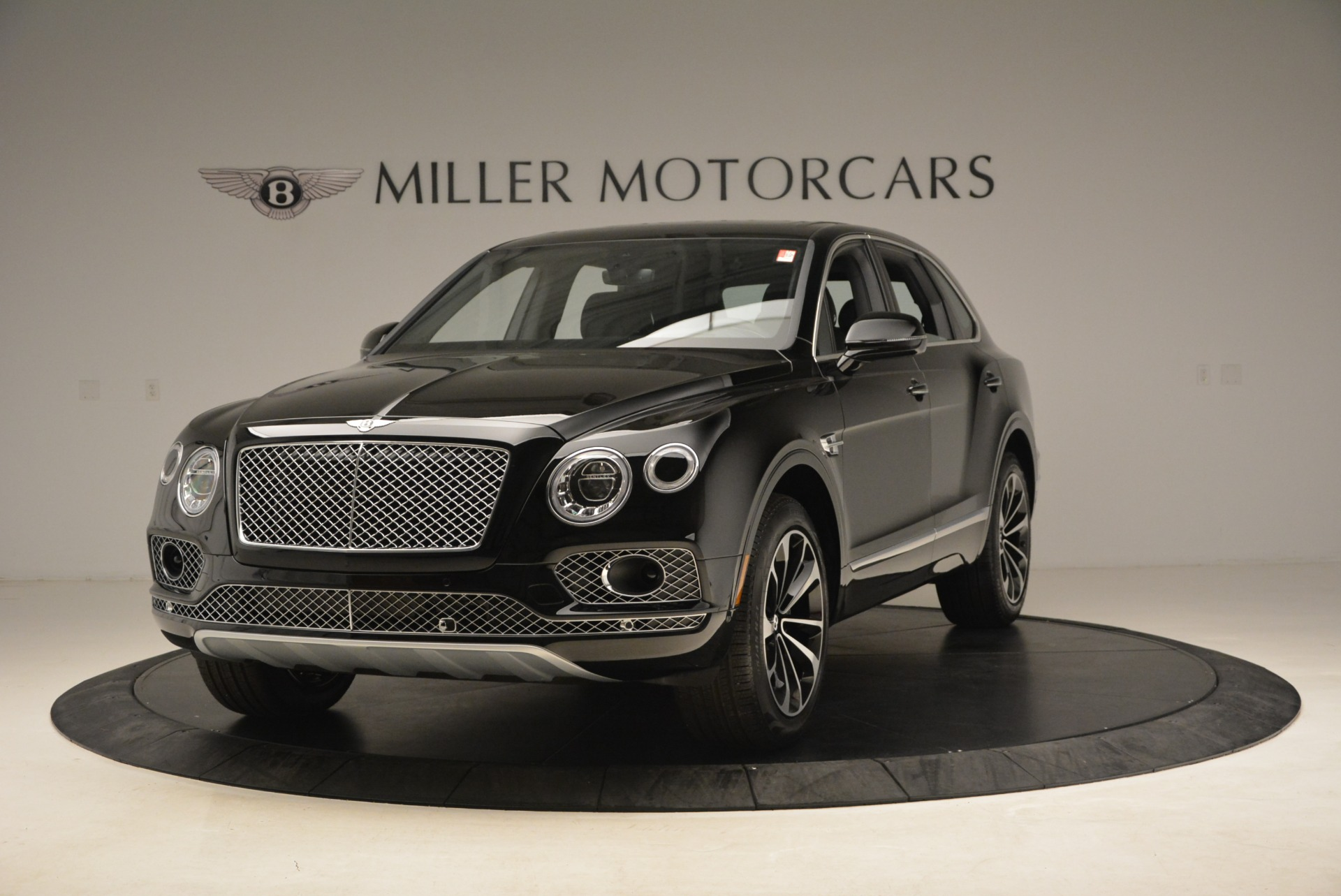 Used 2018 Bentley Bentayga Onyx Edition for sale $139,900 at Pagani of Greenwich in Greenwich CT 06830 1
