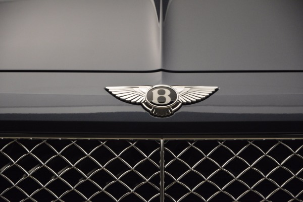 Used 2018 Bentley Bentayga Onyx for sale Sold at Pagani of Greenwich in Greenwich CT 06830 14