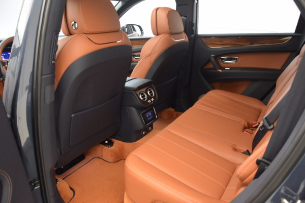 Used 2018 Bentley Bentayga Onyx for sale Sold at Pagani of Greenwich in Greenwich CT 06830 24