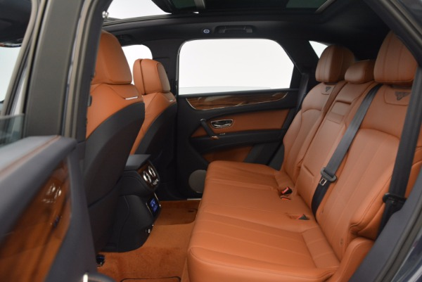 Used 2018 Bentley Bentayga Onyx for sale Sold at Pagani of Greenwich in Greenwich CT 06830 25