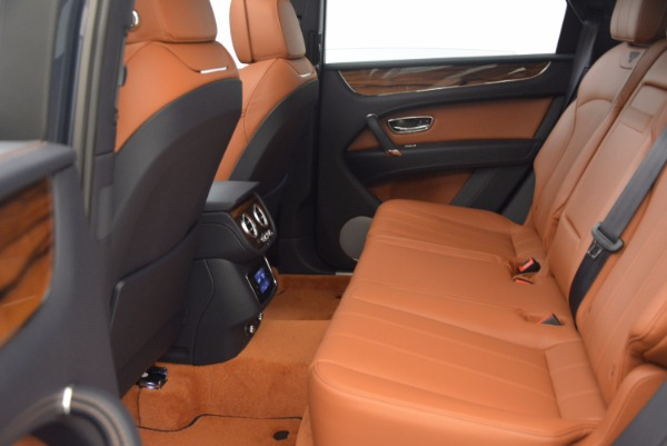 Used 2018 Bentley Bentayga Onyx for sale Sold at Pagani of Greenwich in Greenwich CT 06830 26