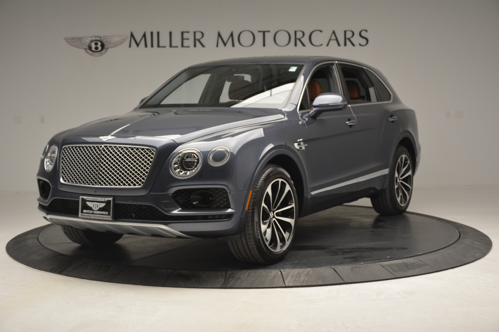 Used 2018 Bentley Bentayga Onyx for sale Sold at Pagani of Greenwich in Greenwich CT 06830 1