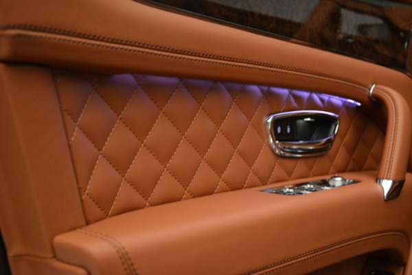 New 2018 Bentley Bentayga Signature for sale Sold at Pagani of Greenwich in Greenwich CT 06830 18