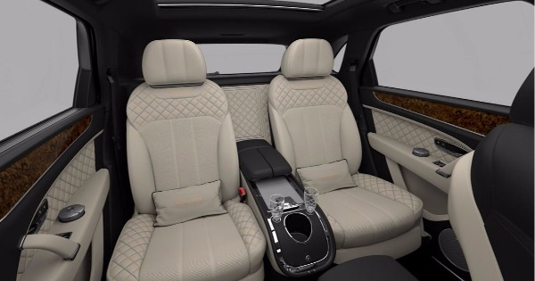 New 2018 Bentley Bentayga Mulliner for sale Sold at Pagani of Greenwich in Greenwich CT 06830 9