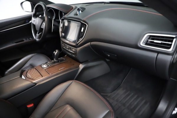Used 2018 Maserati Ghibli S Q4 for sale Sold at Pagani of Greenwich in Greenwich CT 06830 23
