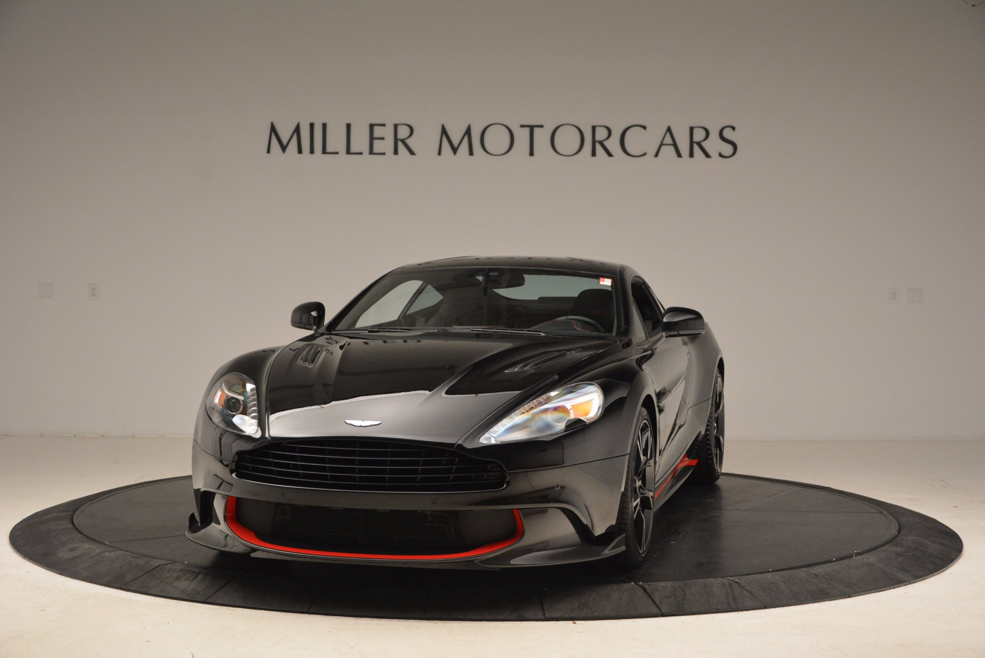 Used 2018 Aston Martin Vanquish S for sale Sold at Pagani of Greenwich in Greenwich CT 06830 1